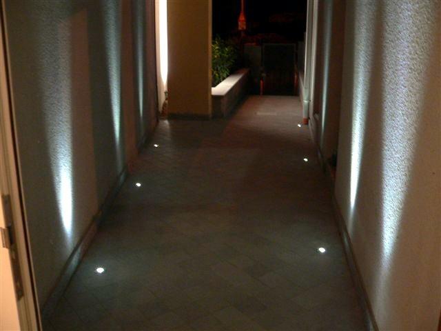 Pouf contenitore - Esempi di illuminazione a led per interni ...